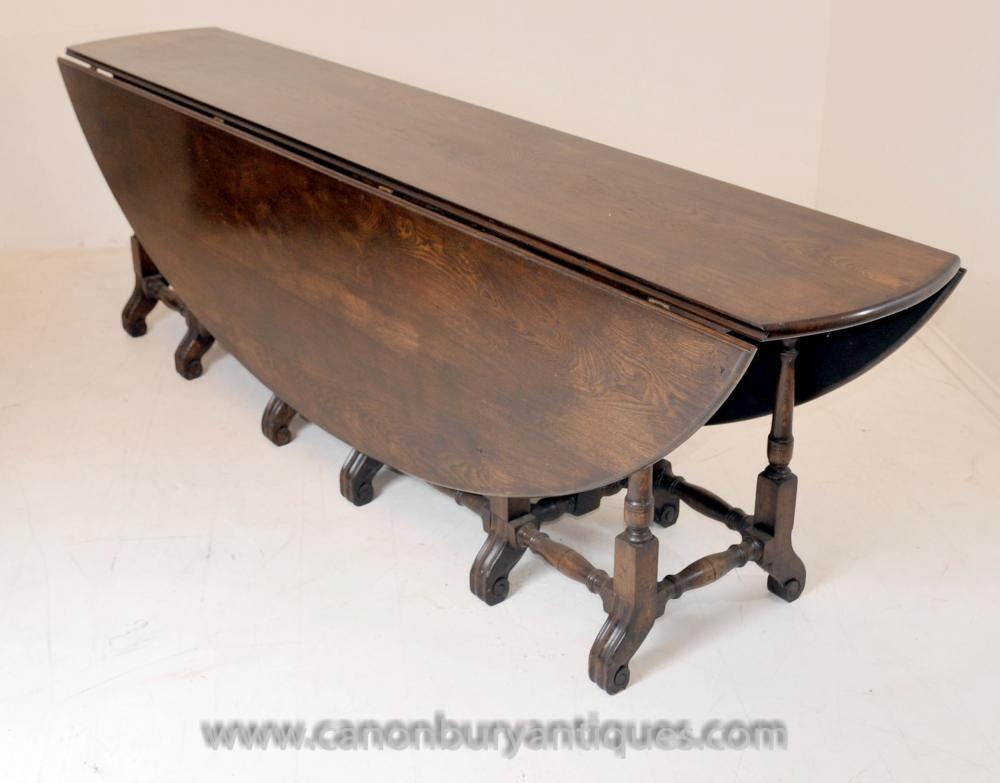This wakes table extends to form an oval refectory table
