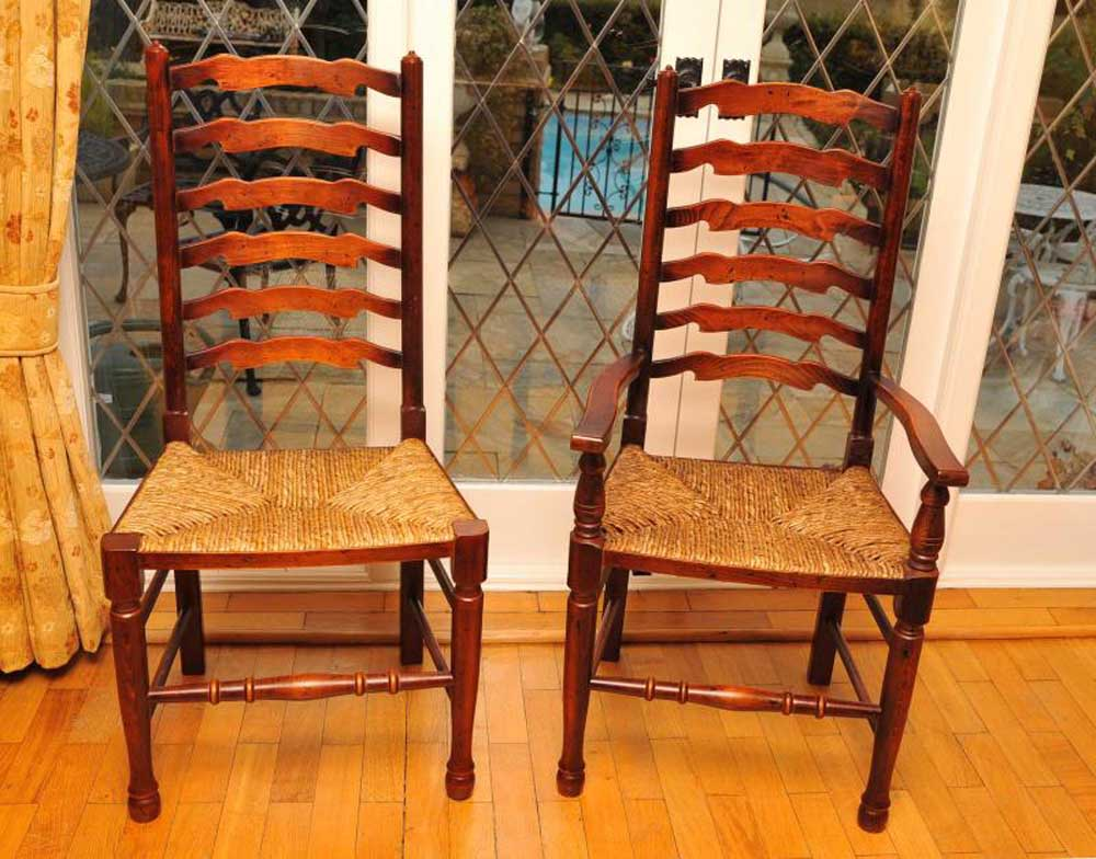 Classic pair of ladderback chairs in oak