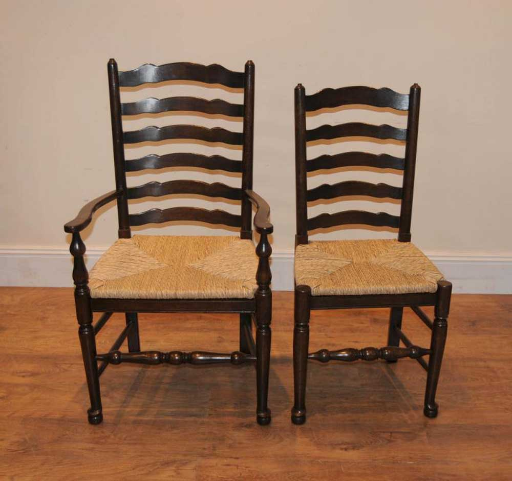 This set of chairs has distinctive pad feet
