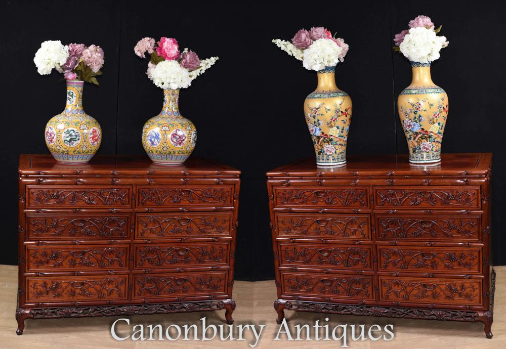 Lots of Chinese antiques