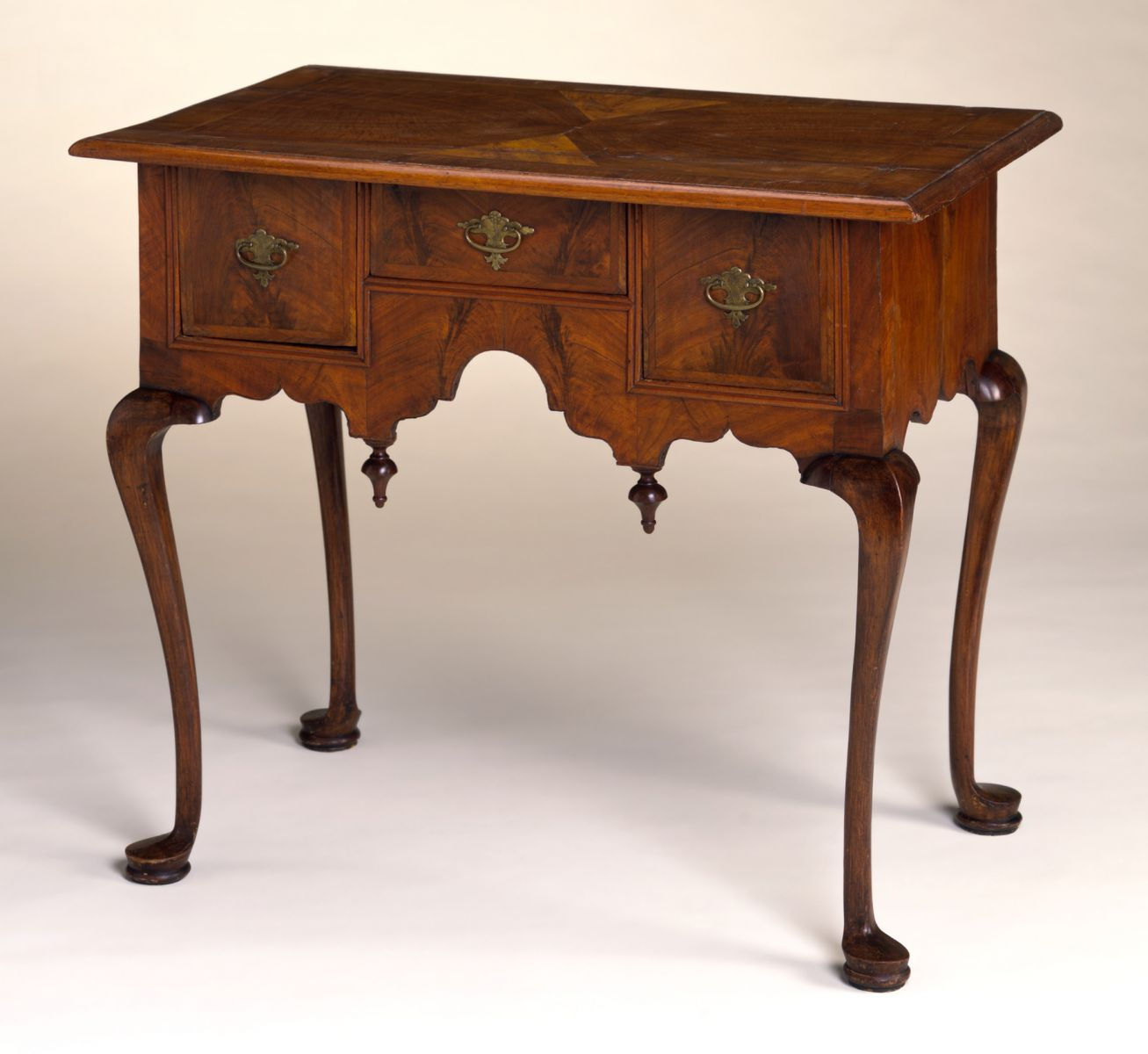 Queen Anne Furniture