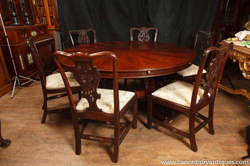 Jupes Dining Tables