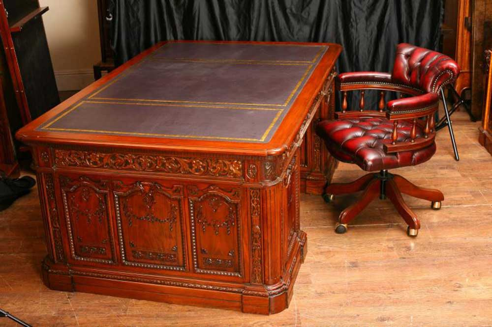 American Presidents Desk - Resolute - Partners Desks - A Guide And History