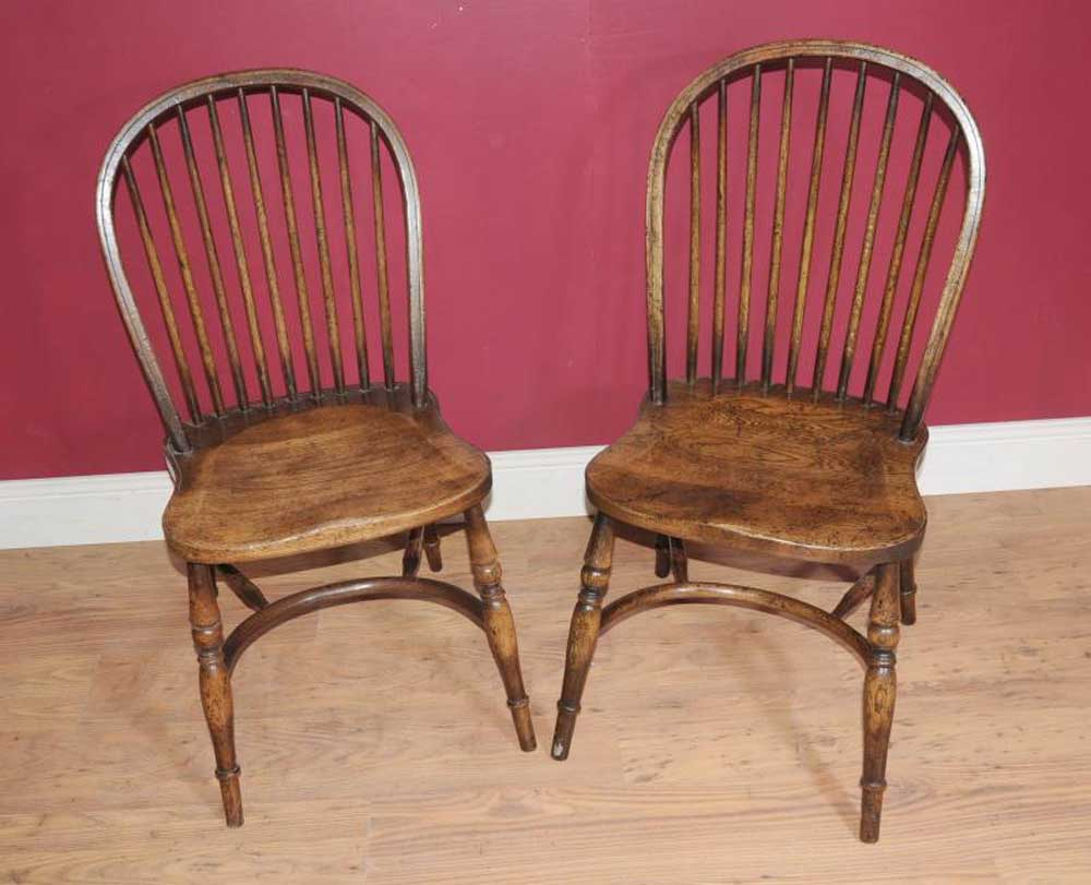 Antique wooden spindle chairs - Pair Of Bow Back Windsor Chairs Rustic Country Look Windsor Chairs A Guide