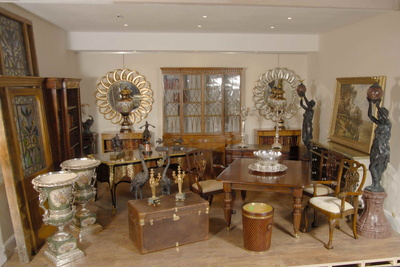 Photograph of Canonbury Antiques Showroom in Hertfordshire