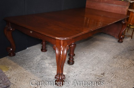 Antique Victorian Dining Table Extending Mahogany Cabriole legs 1840