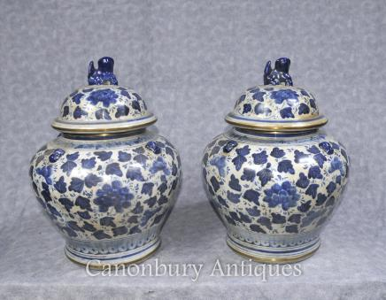 Pair Blue and White Porcelain Urns - Chinese  Vases Jars Pots Kangxi