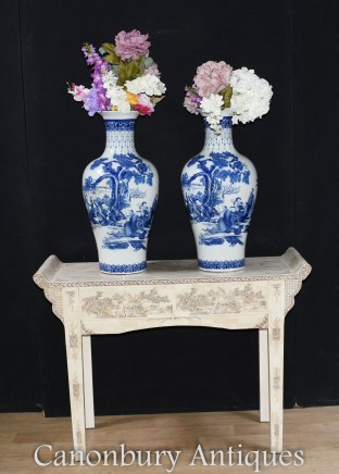 Pair Chinese Blue and White Porcelain Vases Nanking Urns