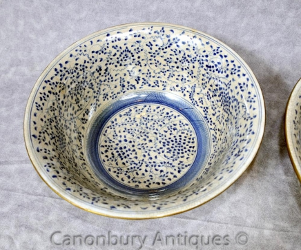 Single Chinese Kangxi Blue and White Porcelain Bowl