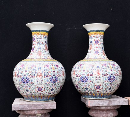 Pair Chinese Porcleain Vases - Qianlong  Urns Bulbous Shangping Form