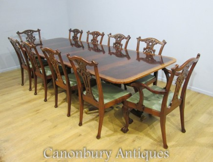 Regency Dining Table and Set of Chippendale Chairs in Mahogany