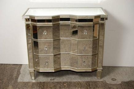 Art Deco Mirrored Chest Drawers - Serpentine  Commode