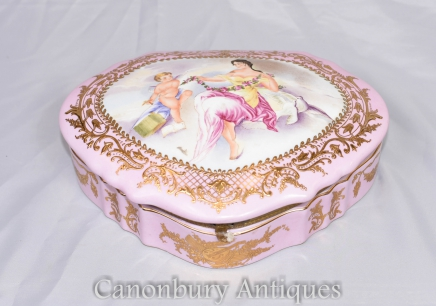 German Porcelain Meissen Cherub Heart Jewellery Box Case