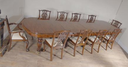 Mahogany Victorian Dining Table & Set Chippendale Chairs