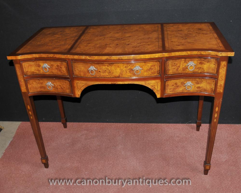 French regency knee hole desk bureau de dame walnut for Bureau french