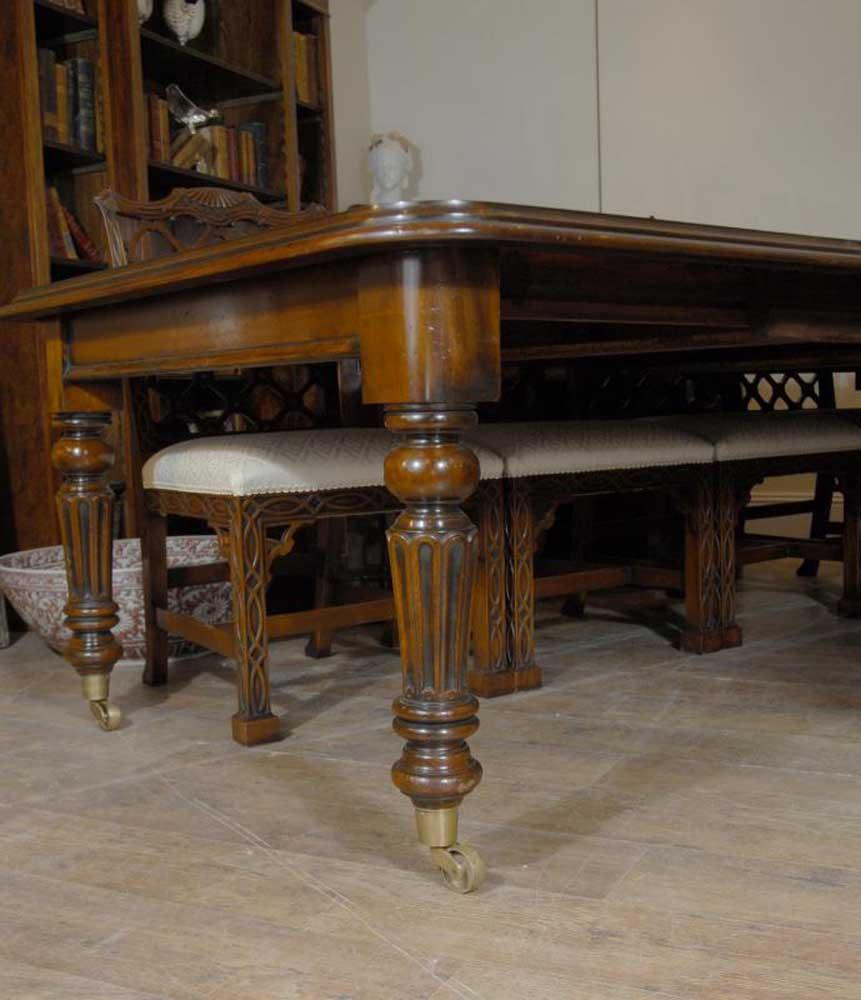 Victorian Dining Table: Victorian Dining Table In Mahogany