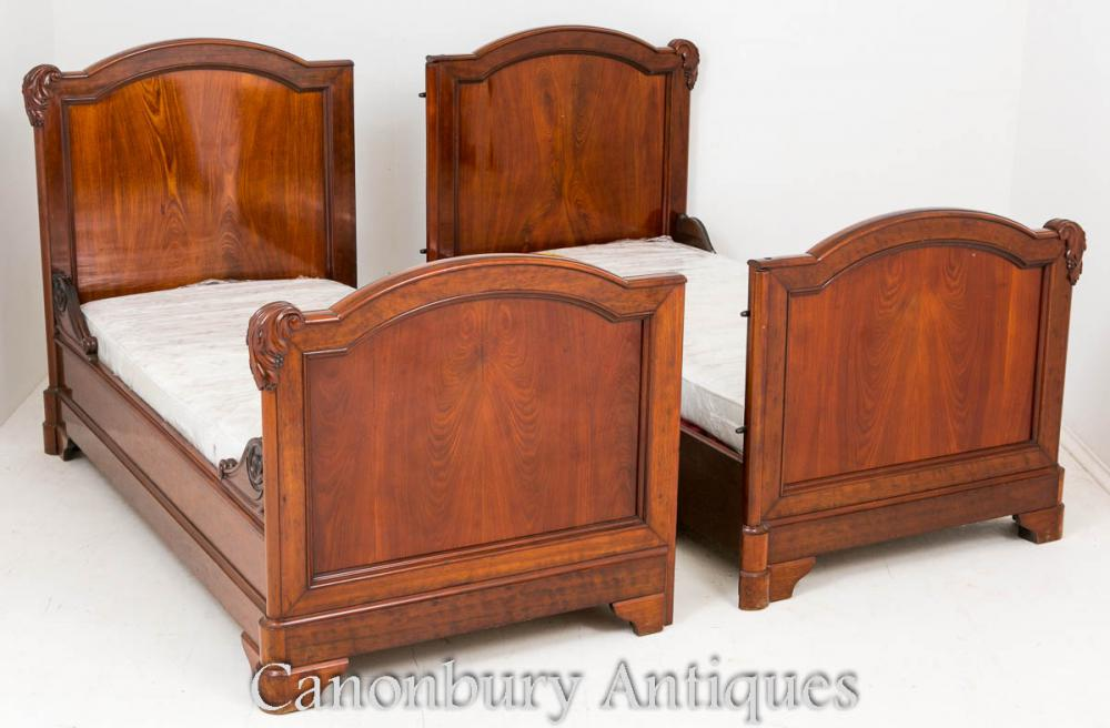 Antique french mahogany double bed carved bedroom for Antique bedroom furniture