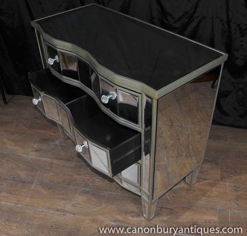 Art deco mirrored chest drawers serpentine commode for Commode miroir art deco