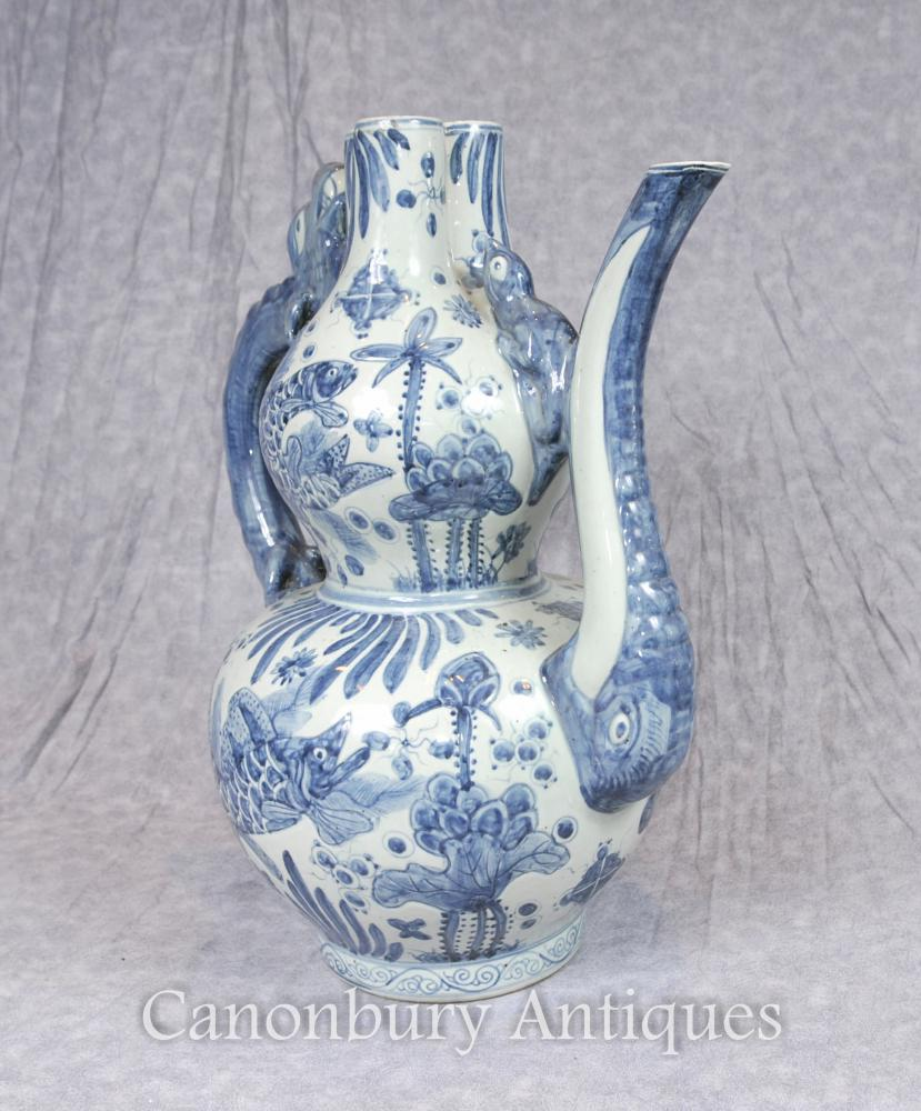 Chinese Blue and White Porcelain Tea Pot Kangxi Vase
