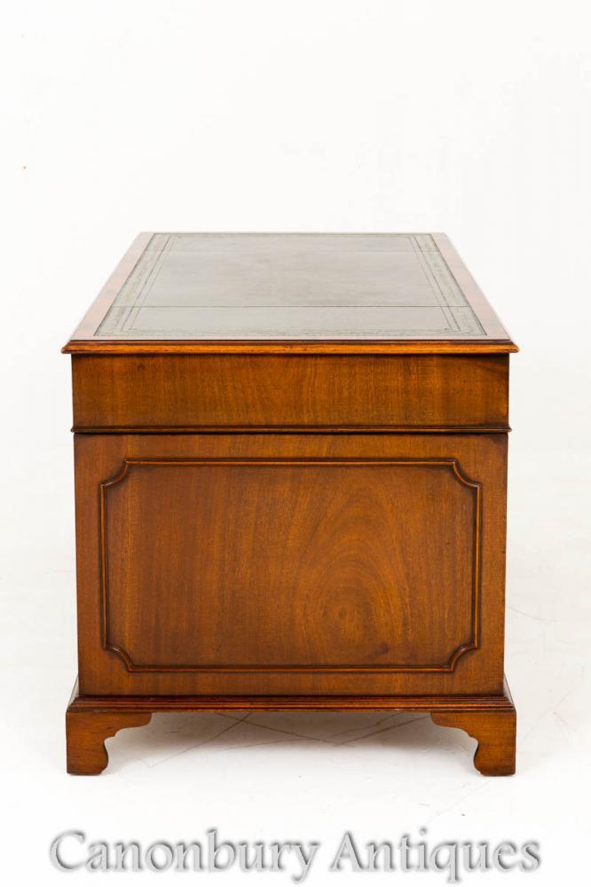 Mahogany Georgian Pedestal Desk Knee Hole