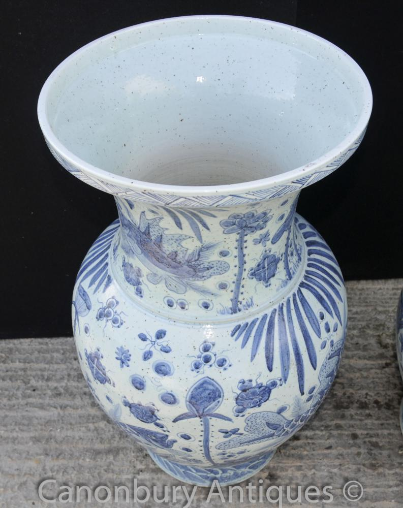 Pair Chinese Kangxi Blue and White Porcelain Bulbous Vases ...