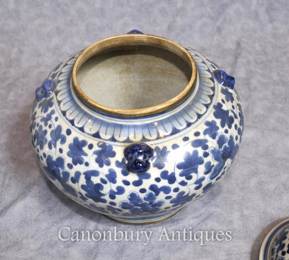 Pair Chinese Nanking Porcelain Lidded Urns Vases Blue And