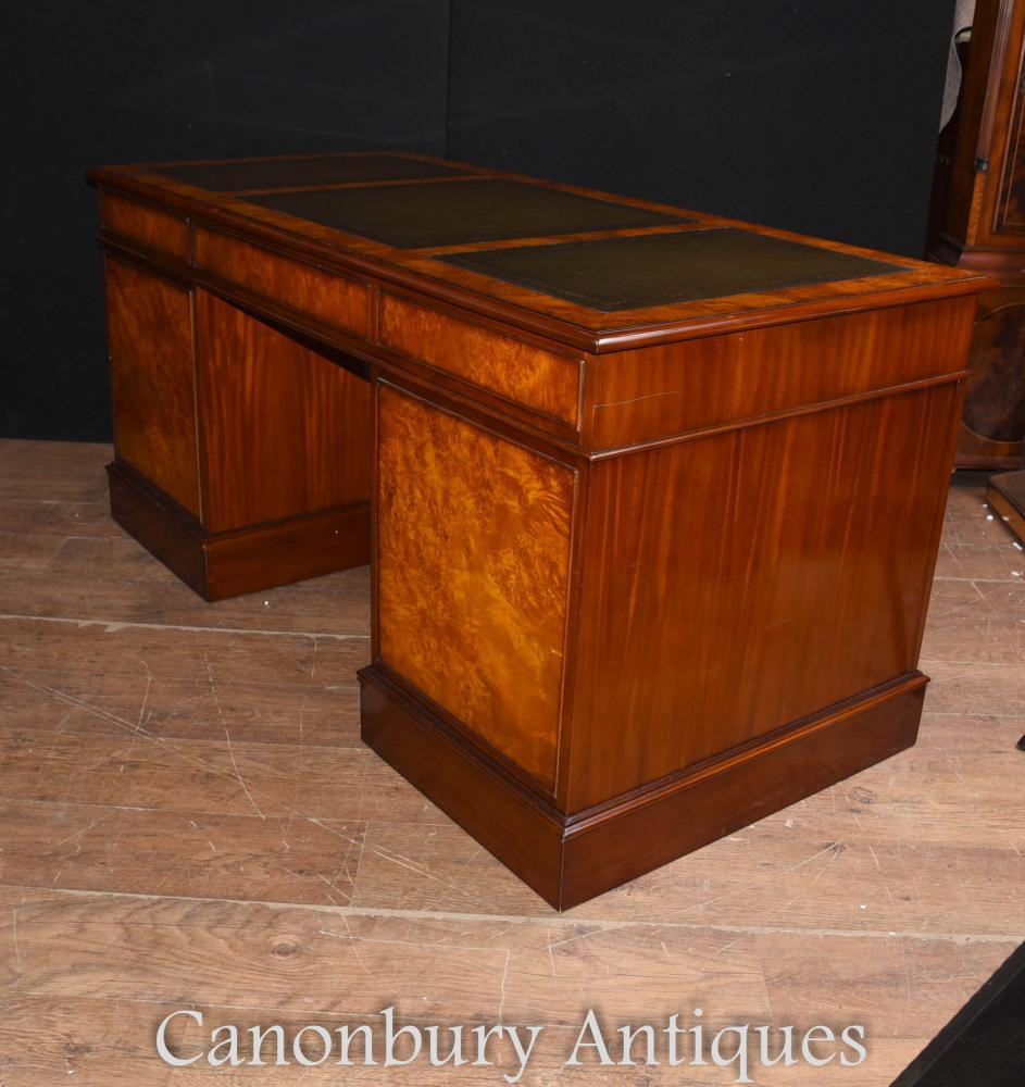 regency walnut knee hole pedestal desk writing table. Black Bedroom Furniture Sets. Home Design Ideas