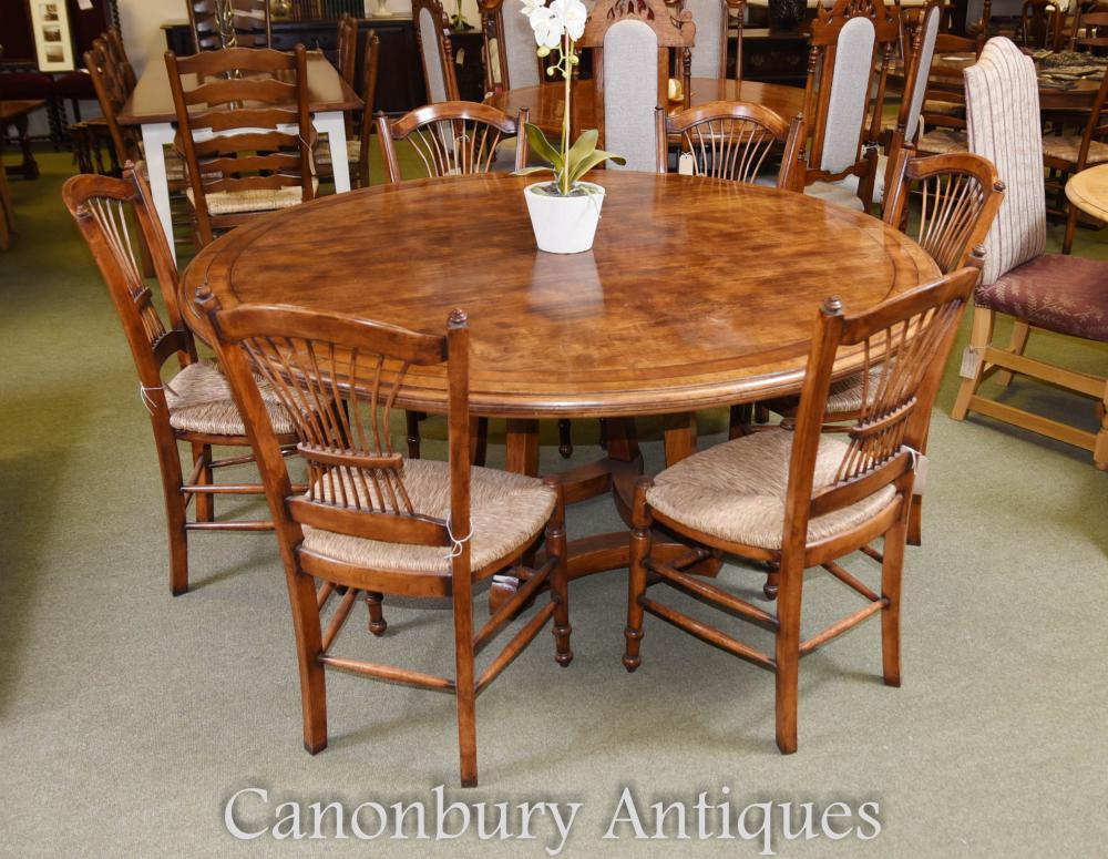 Round oak wood refectory dining table kitchen diner for Round wood kitchen table