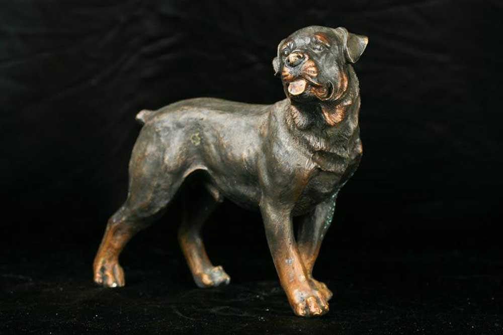 bronze rottweiler dog statue casting dogs german breeds. Black Bedroom Furniture Sets. Home Design Ideas