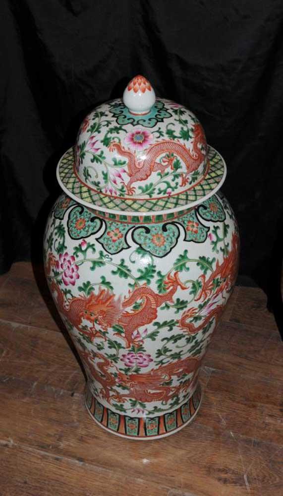 Chinese Qianlong Porcelain Lidded Dragon Vases Urns