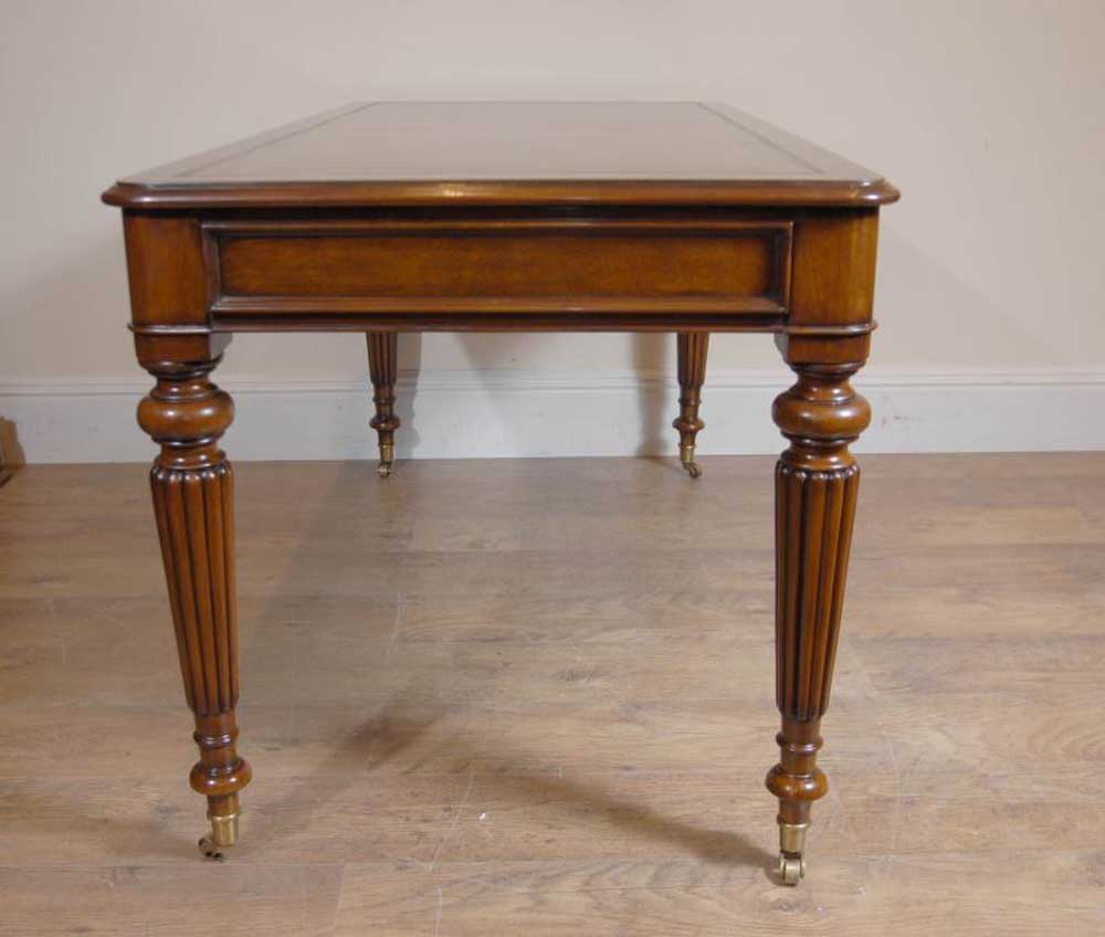 English victorian gillows writing desk table bureau for Bureau table