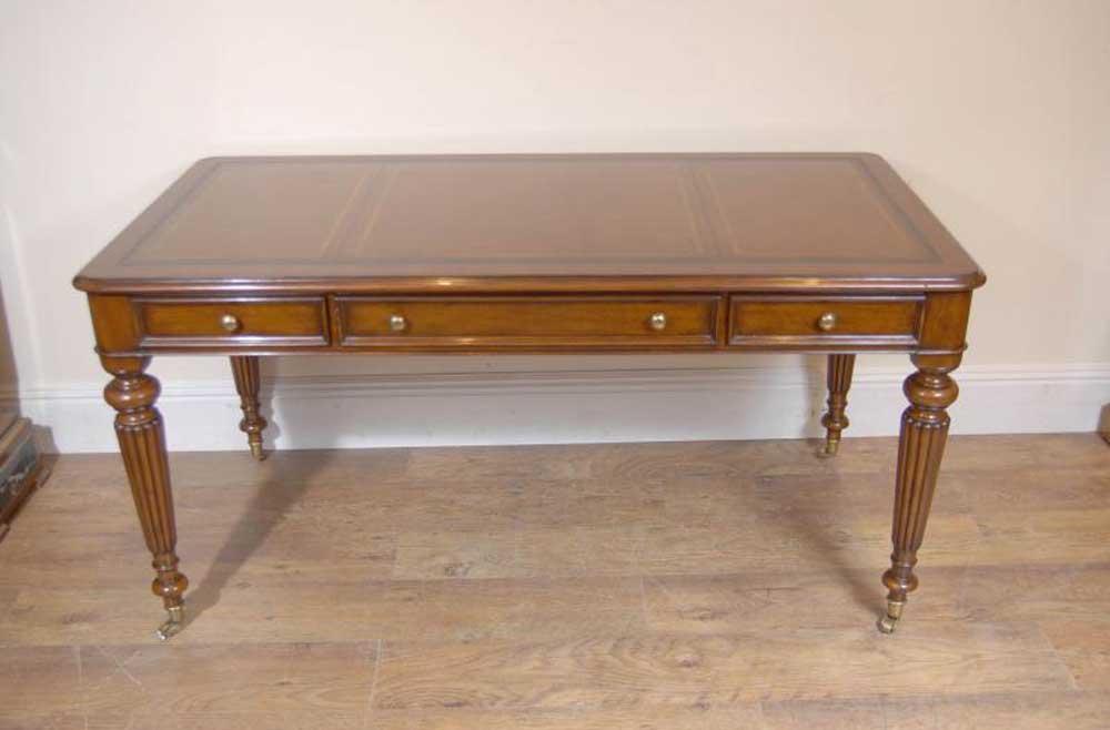 English victorian gillows writing desk table bureau for Bureau writing desk