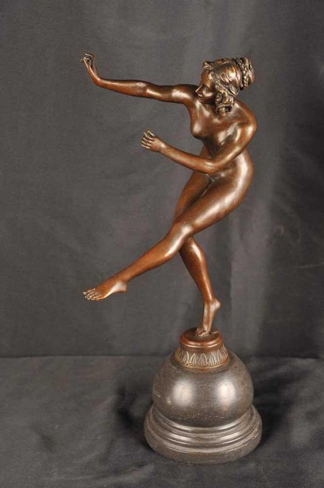 Nude Figurine 103