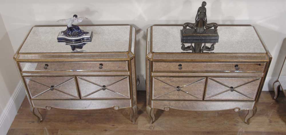 Pair funky art deco mirrored bedside chest drawers tables for Commode miroir art deco