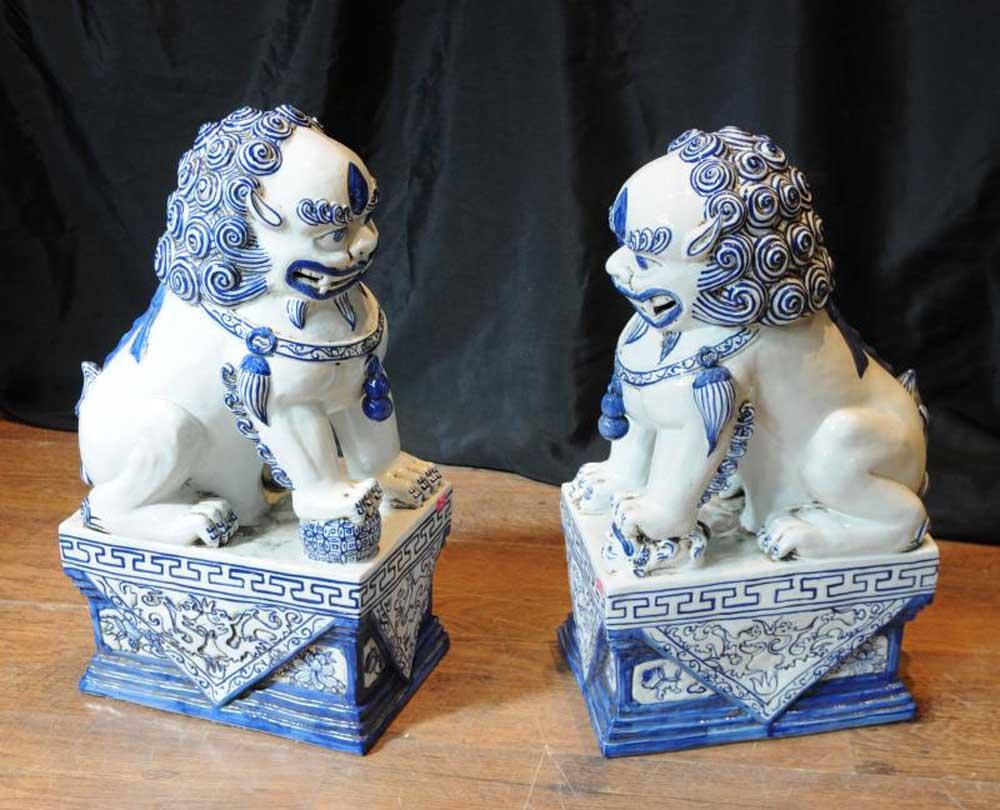 Pair Nanking Chinese Porcelain Foo Dogs Blue White Porcelain
