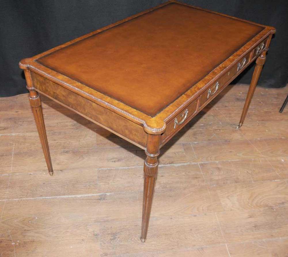 Walnut Gillows Desk Writing Table Bureau Plat Regency