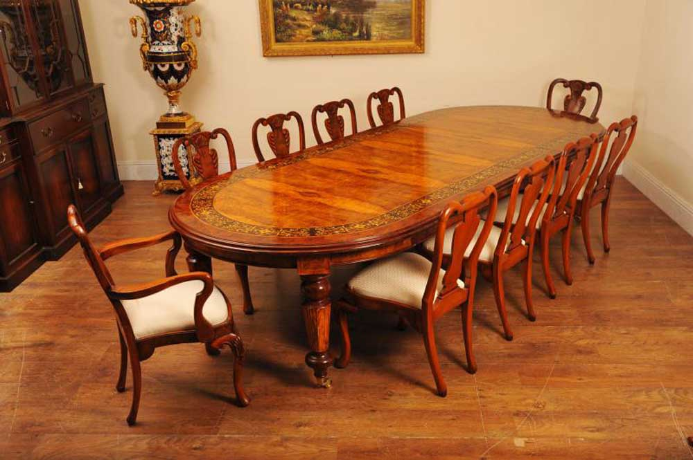 Walnut Italian Marquetry Dining Table Queen Anne Chair Set