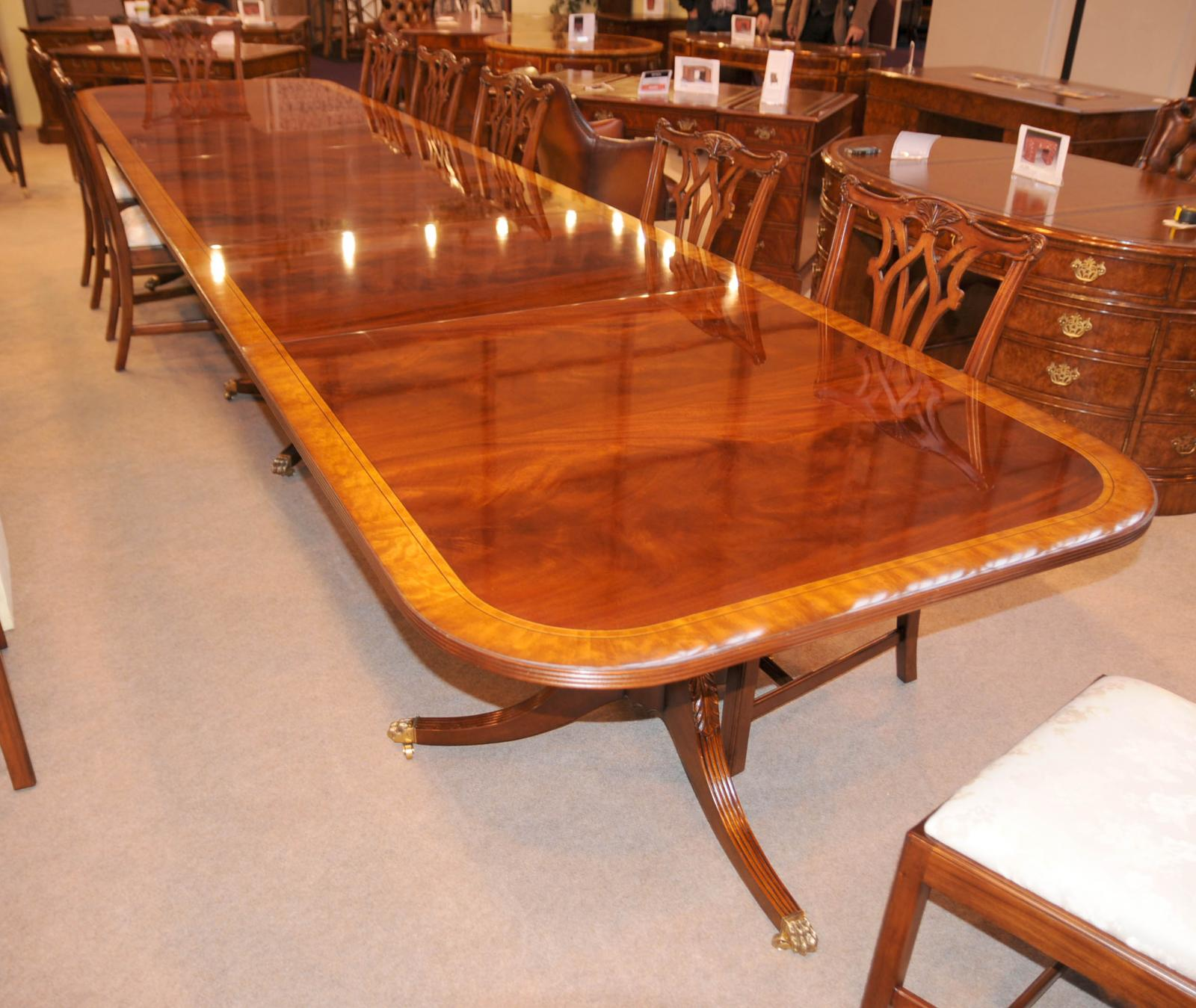 16 ft regency dining table triple pedestal mahogany diner for Table salle a manger ancienne