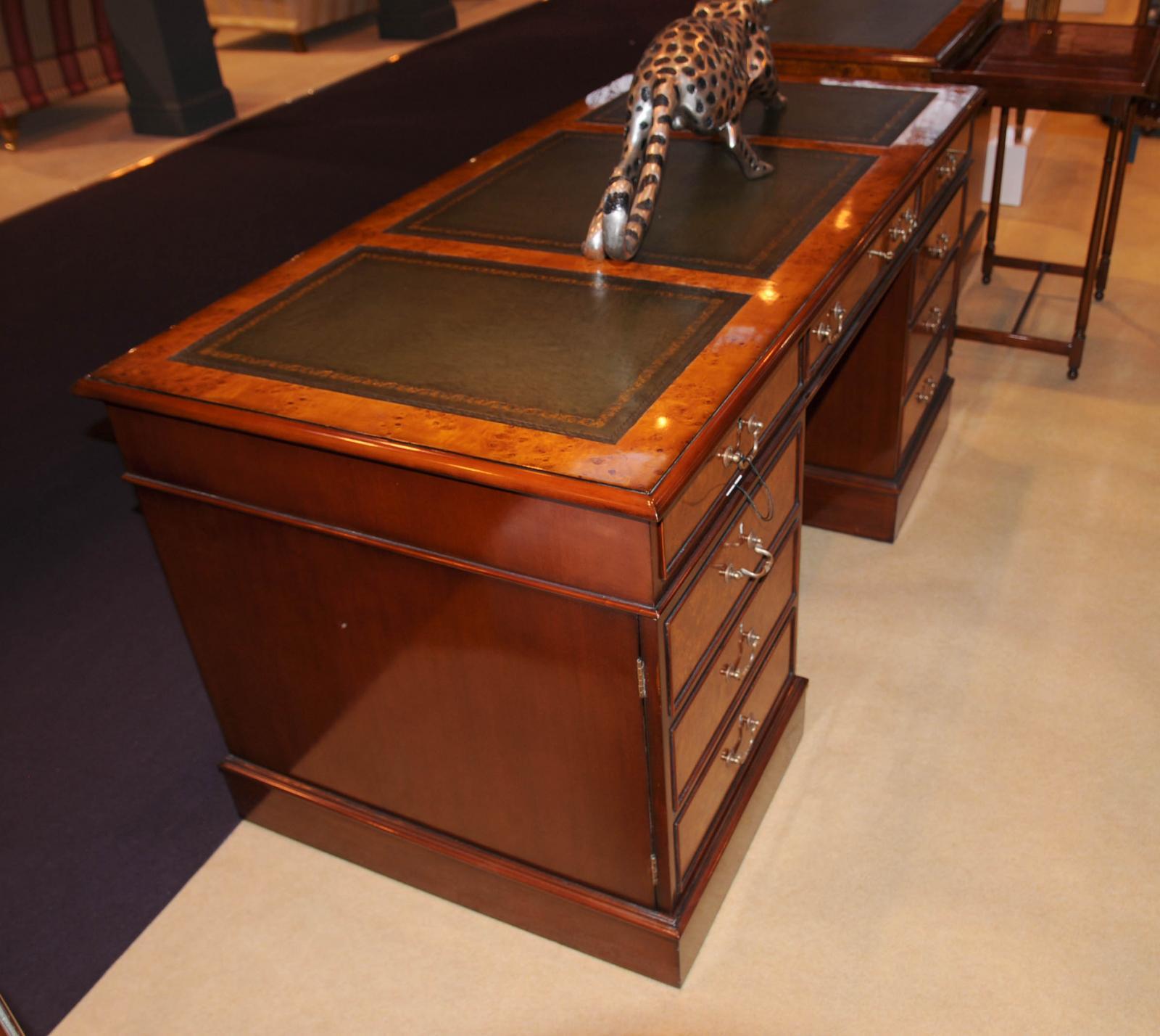 Pleasing 20 regency office furniture decorating for Escritorio oficina