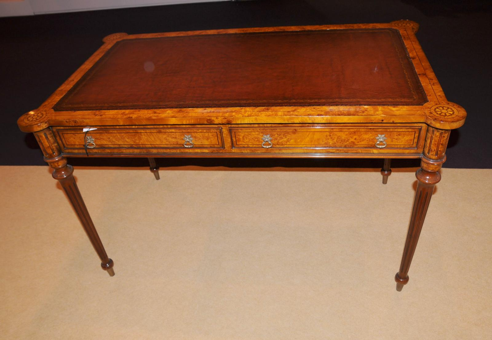 Regency walnut desk writing table bureau gillows ebay for Bureau table