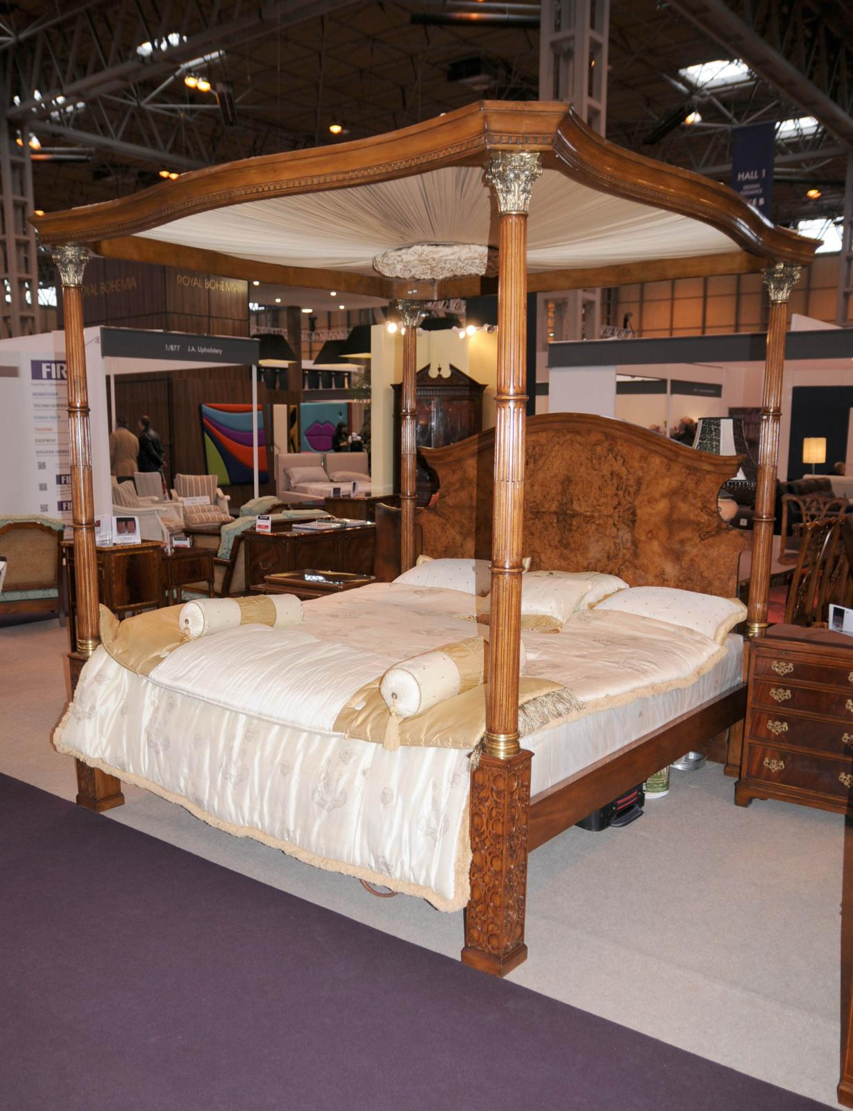 Regency Walnut Queen Size Four Poster Bed Bedroom