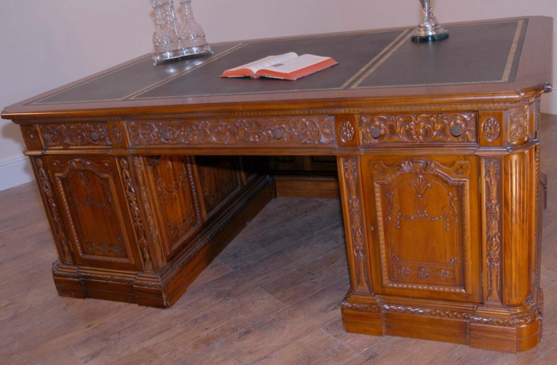 American resolute presidents desk partners oval office - Oval office desk ...