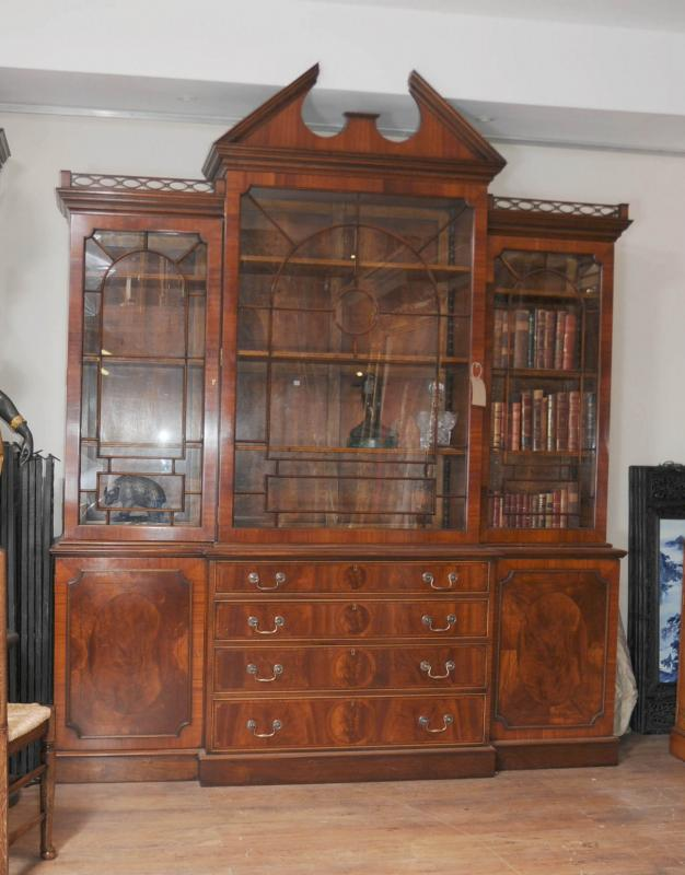 Mahogany victorian breakfront bookcase gothic bookcases for Victorian furniture plans