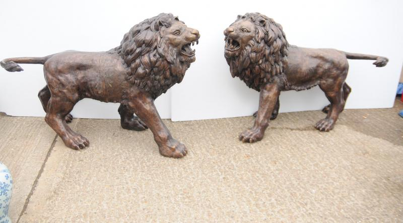 Photo of Pair Lifesize Bronze Lions Lion Statue Cat Gatekeeper Architectural