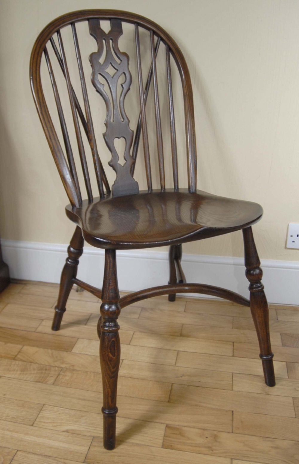 Pair windsor chairs farmhouse oak kitchen chair ebay for Oak farmhouse kitchen table and chairs