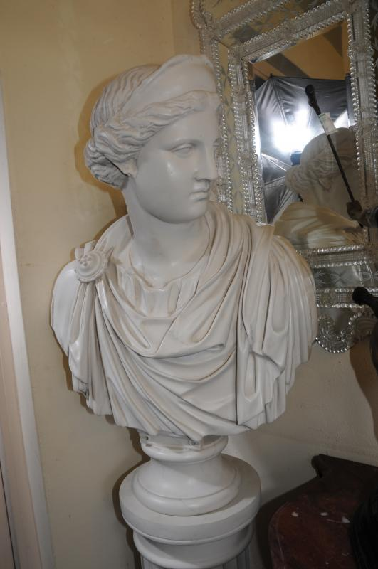 Photo of Resin Marble Bust Roman Maiden Empress Statue Classic Art